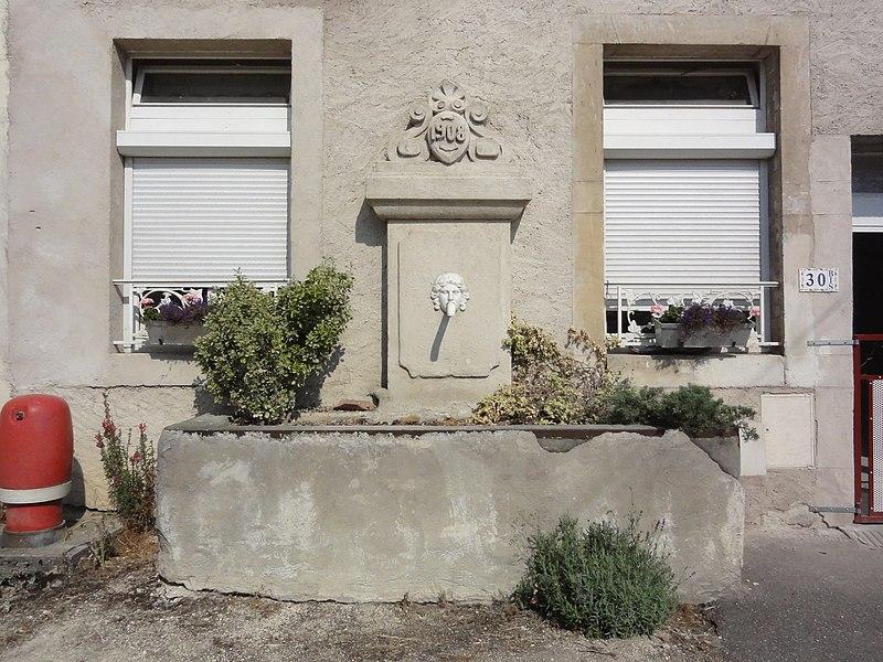 Lucey (Meurthe-et-M.) fontaine