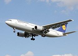 https://upload.wikimedia.org/wikipedia/commons/thumb/c/c5/Lufthansa.a300b4-600.d-aiak.arp.jpg/250px-Lufthansa.a300b4-600.d-aiak.arp.jpg