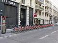 Lyon 2e - Station Vélo'v 2015 place de la République 3 (mars 2019).jpg