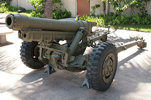 M3 howitzer - A M3 howitzer outside the Army Museum in Honolulu, Hawaii.