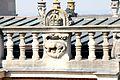 MAN - médaillon et balustrade - Salamandre & couronne.jpg