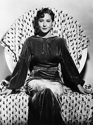 English: Publicity Photo of Mae Clarke, prior ...