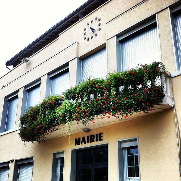 Vue de la façade de la Mairie de Chavannes-sur-Suran (01250)