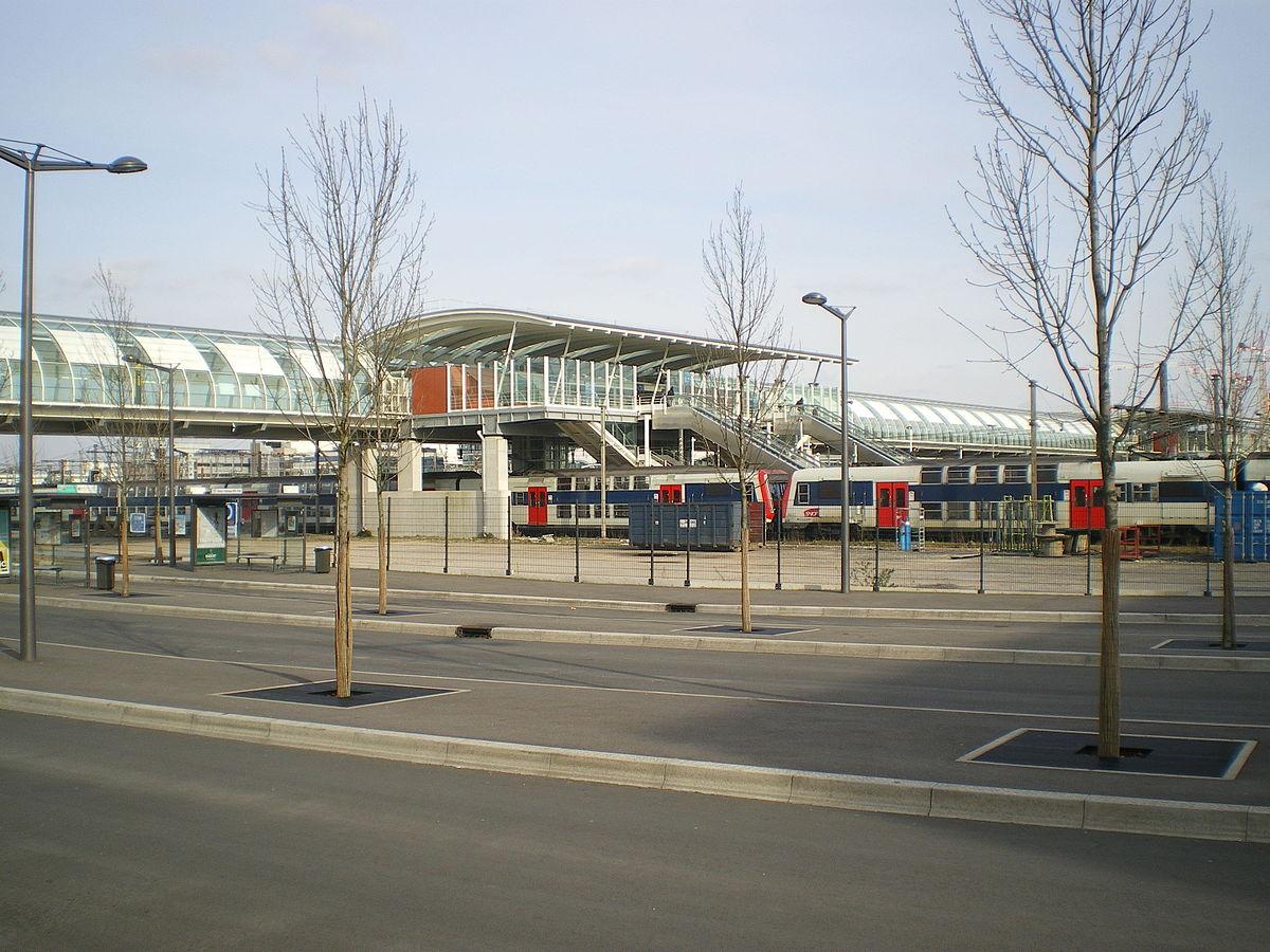 Gare de massy palaiseau wikip dia for Piscine de palaiseau