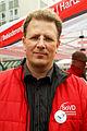 Matthias Büschking, SoVD-Landesverband Niedersachsen e.V., Landespressesprecher, Leiter Abteilung Presse und Kommunikation, beim bundesweiten Aktionstag Umfairteilen - Reichtum besteuern.jpg