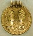 Medaglione romano aureo con valentiniano I e valente, imitazione forse germanica, 370 ca.jpg