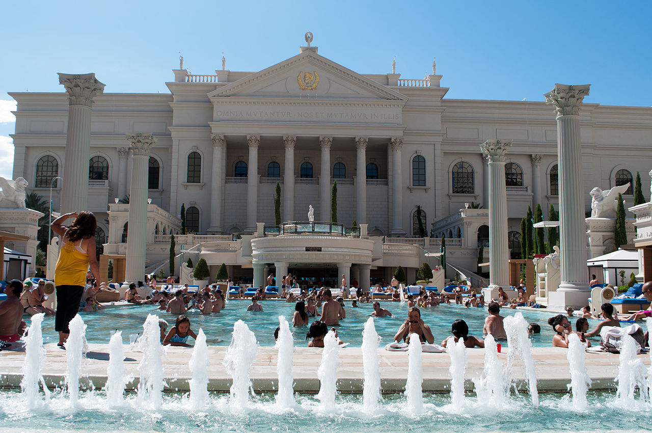 File mercury pool caesars palace 6119052373 jpg for Caesars swimming pool