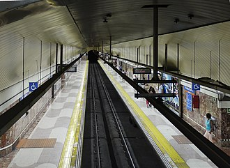 Pueblo Nuevo (Madrid Metro) - Image: Metro Madrid Pueblo Nuevo