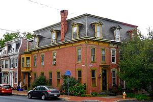 Old Midtown Historic District (Harrisburg) - Image: Midtown Harrisburg PA SW corner Green and Verbeke