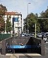 Milano Dateo scala stazione passante.JPG