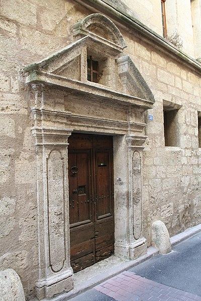 Montagnac (Hérault) - Hôtel de Rat - porte 1.
