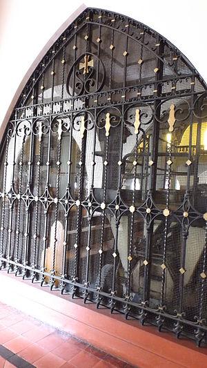 Our Lady of Montserrat Abbey (Manila) - Image: Montserrat, Manila 24