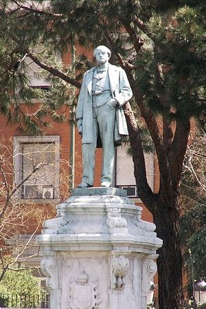 José de Salamanca, 1st Count of los Llanos - Statue of the Salamanca in the Madrid plaza that bears his name.