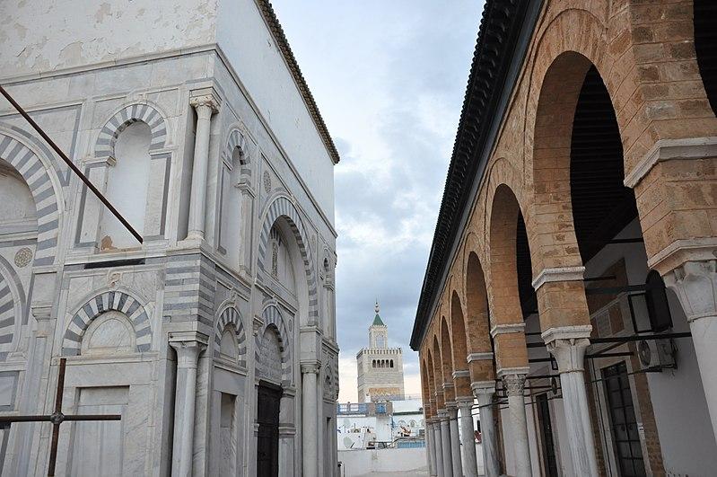 File:Mosquée Sidi Youssef ...vue sur Mosquée Zitouna.jpg