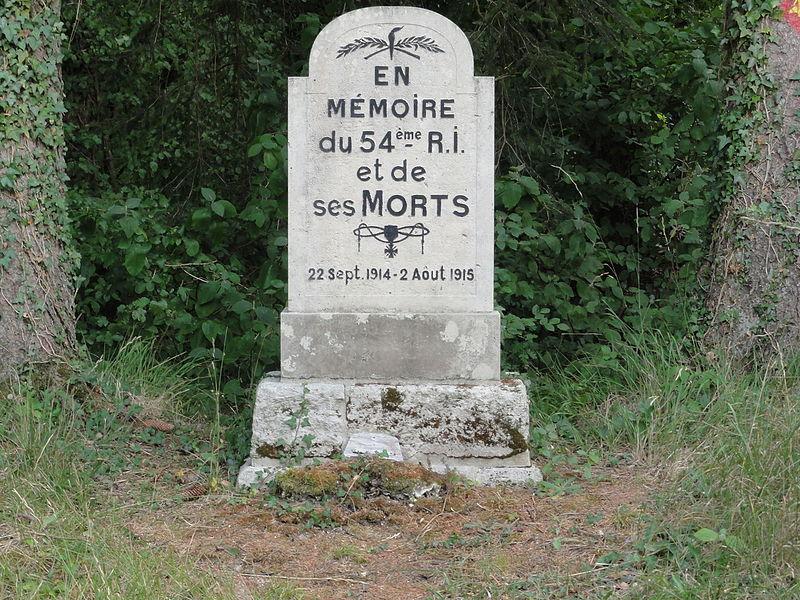 Mouilly (Meuse) memorial du 54e R.I. sur la Tranchée de Calonne