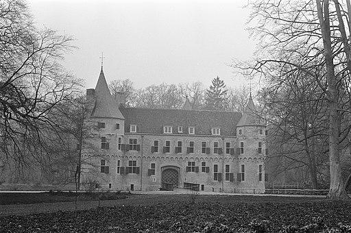 Na een restauratie gaat Het Oude Loo voor koningin Juliana dienen als dependance, Bestanddeelnr 929-1197