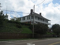 Natchez4Sept2008HouseStepsStreet.jpg