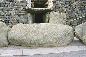 Neolithic and Bronze Age rock art in the British Isles - Engravings at the entrance to Newgrange.
