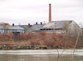 Old factory in Arnold.jpg