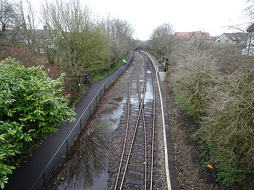 Oldland Common railway station, Gloucestershire (geograph 5723735)