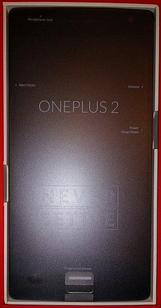 OnePlus 2 - Image: One Plus 2 (in packaging)