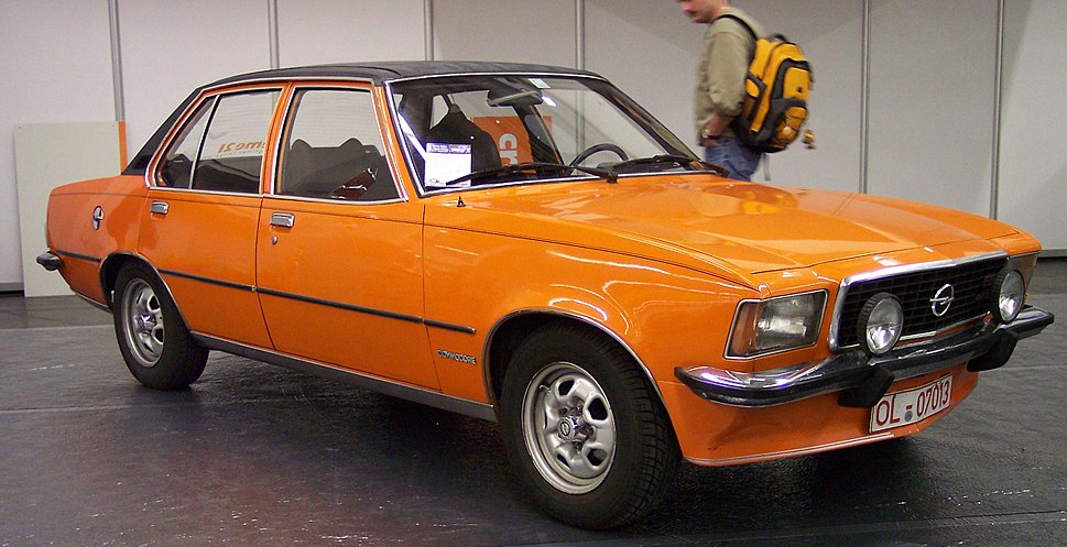 Opel Commodore - Howling Pixel