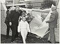 Opening van buurthuis de Dwarsligger bij het Ichthus College. NL-HlmNHA 54015648.JPG