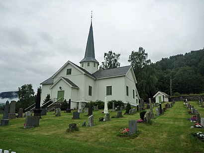 How to get to Øyer Kirke with public transit - About the place