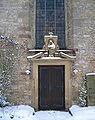 Pömbsen Mariä-Himmelfahrt-Kirche Seitenportal.jpg