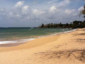 Paia, Hawaii - Image: Paia Beach looking east