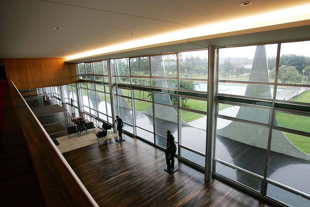 File palacio da alvorada mezzanine jpg wikimedia commons - Kind mezzanine kantoor ...