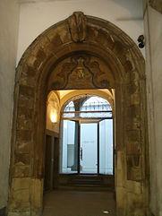 palazzo medici tornaquinci portale