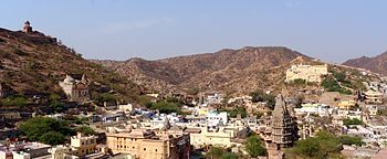 Panoramic view from amer fort overlooking the city.jpg