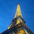 Paris Eiffel Tower night view x 20150827.jpg