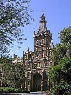 Ormond College (1879), Universitat de Melbourne.