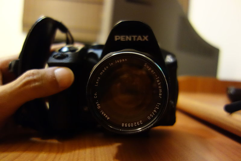 File:Pentax K-30 with a Super-Takumar 50 mm f1.4 lens (front view).JPG