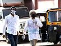 Photos-Actor-Irrfan-Khan's-last-rites-take-place-in-Mumbai-5.jpg