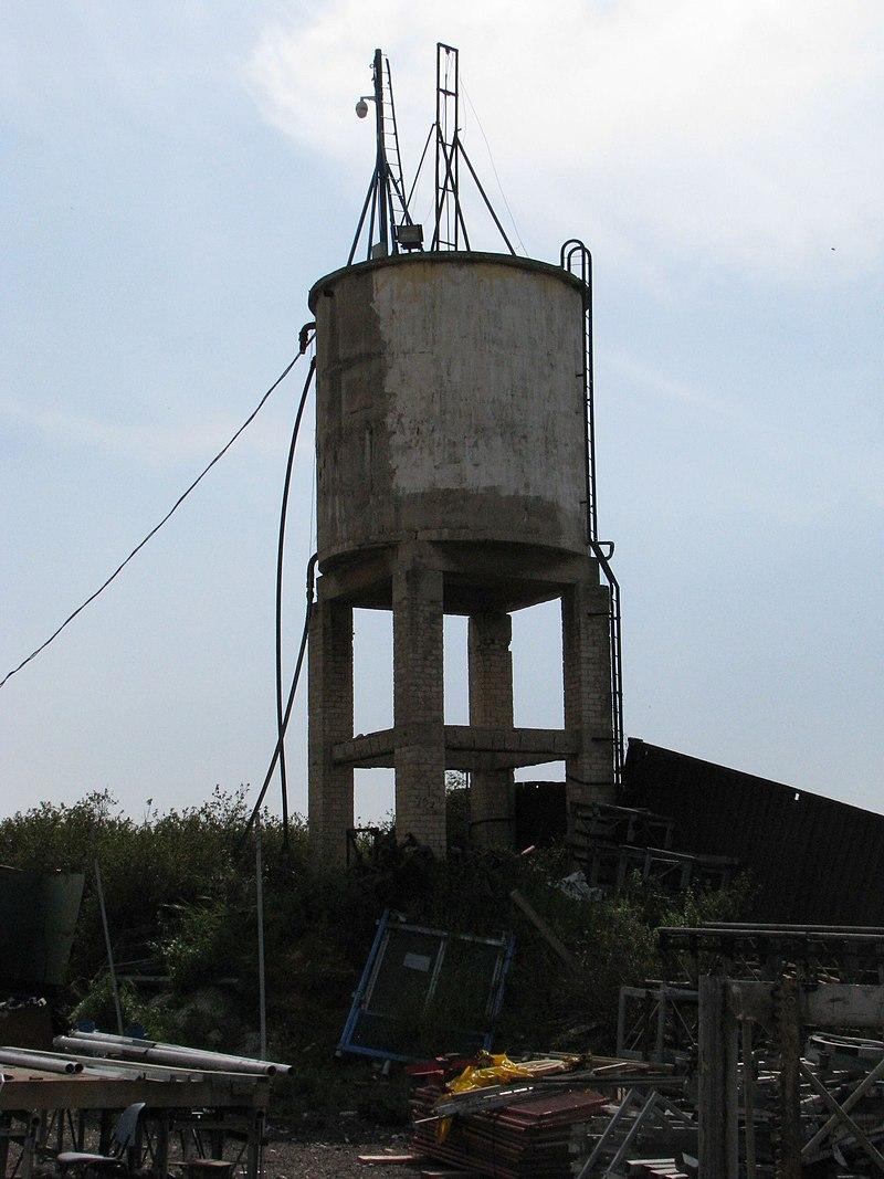 מגדל המים באתר מעברת שבות עם