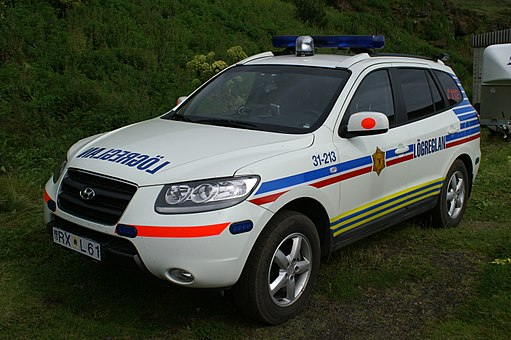 Police car of Iceland 01