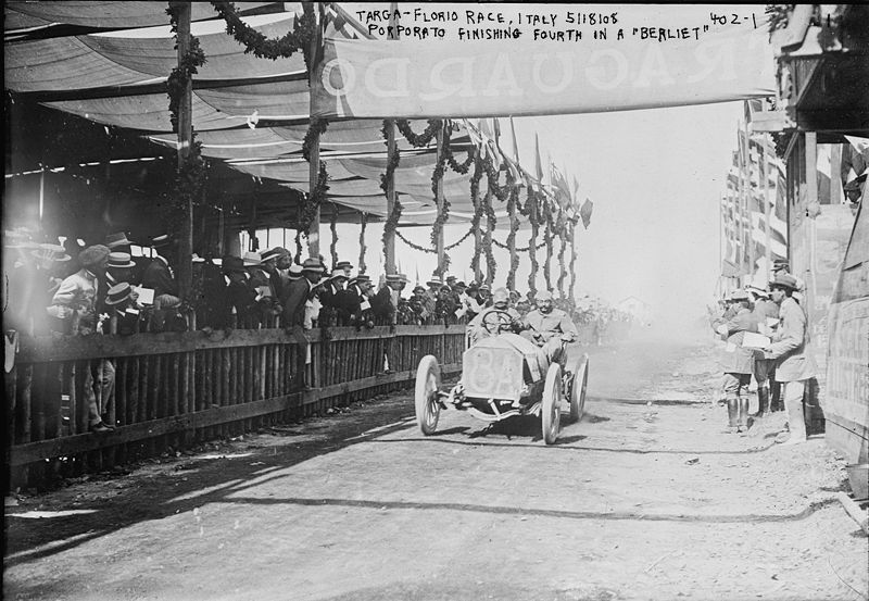 Image:Porporato in a Berliet finishing fourth at Targa Florio 1908.jpg