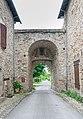 Porte Saint-Christophe in Sauveterre-de-Rouergue 02.jpg