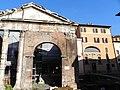 Portico di Ottavia, Via della Reginella - panoramio.jpg