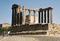 Portugalia Evora ruiny rzymskiej swiatyni.jpg