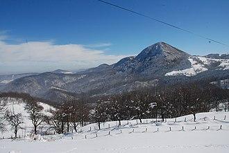 Povlen - Image: Povlen Pogled ka vrhovima Velikog, Srednjeg i Malog Povlena 1