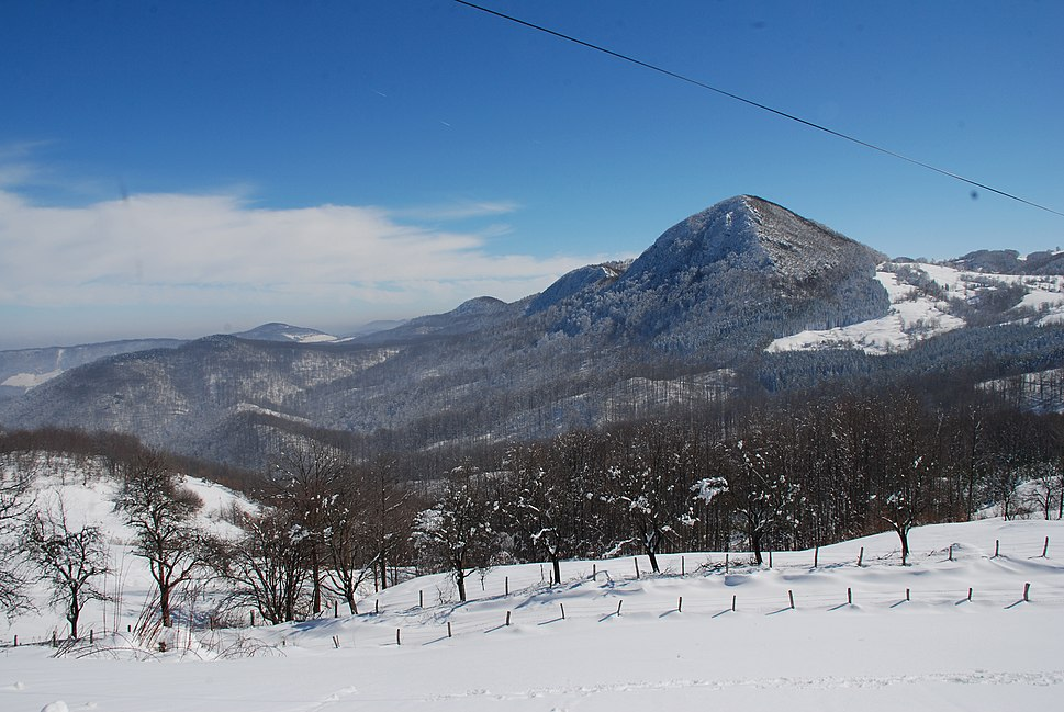 Povlen - Pogled ka vrhovima Velikog, Srednjeg i Malog Povlena 1