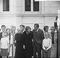 Prinses Beatrix en Claus bezoeken Hitzacker, prinses Beatrix en Claus met famili, Bestanddeelnr 918-2553.jpg