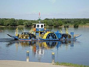 Prom na Wiśle w Nieszawie. Ferry in Nieszawa (Poland - Vistula river) (1).JPG