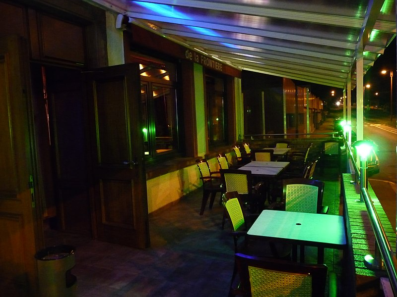 Pub France Boarder