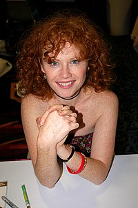 Raelee Hill, 2005 convention.jpg