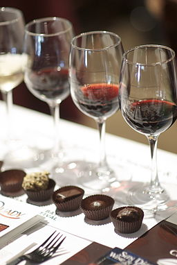 Red wine and chocolate pairing